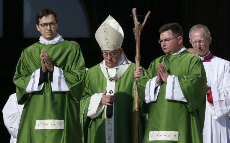 """Pope Francis used """"magic"""" staff during Youth Synod"""